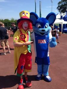 Clown Bochum - Clown Zauberer August & Geburtstagsclown Pippy Kinderzaubershow können Sie für Hochzeiten, Kindergeburtstage, Firmenfeiren, Messen und Schulfeste in ganz NRW buchen.
