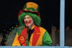 Auf diesem Bild sieht man Clown Pippy bei einem Auftritt auf der Zeche Zollverein in Essen