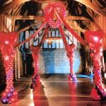 Auf diesem Bild sieht man eine große Ballondekoration für eine Hochzeit in Dortmund